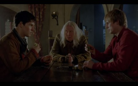 Merlin.S05E03.The.Death.Song.Of.Uther.Pendragon.HDTV.XviD-LOL.avi_snapshot_28.36_[2012.10.21_17.52.30]